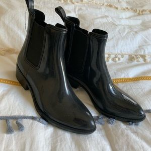 Urban Outfitters women's size 10 rain booties